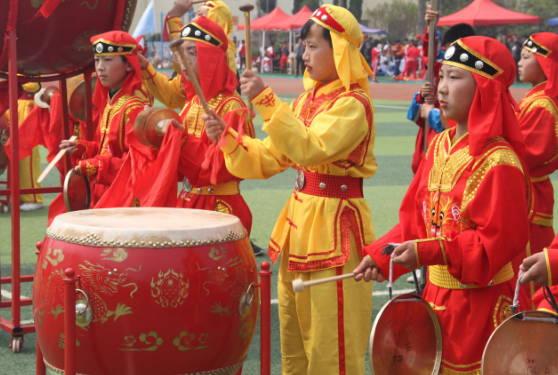 临沂华盛实验学校 参加区第二十五届中小学生体育节开幕式