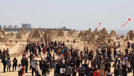 第十二届中国威海沙雕文化艺术节盛大开幕