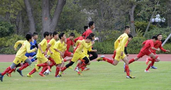 恒大再为中国足球出力 一年48场高水平比赛特训中国足球青少年